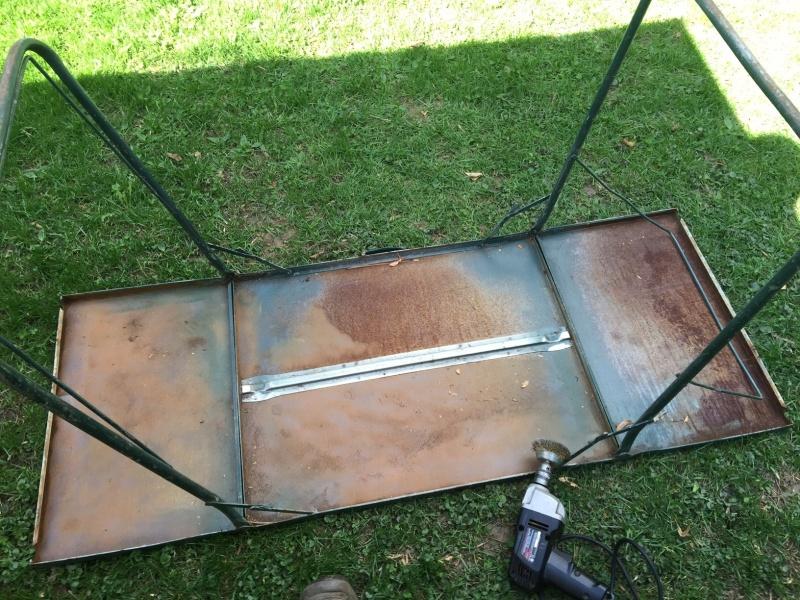 Restauration d'une table de camping vintage Img_2819