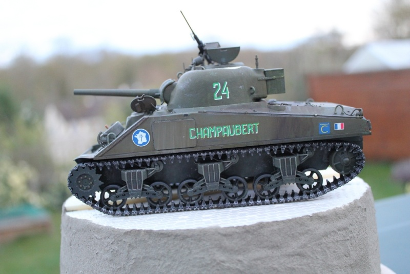 CHAMPAUBERT 1/35 M4A2 TASCA - Page 5 Img_0511