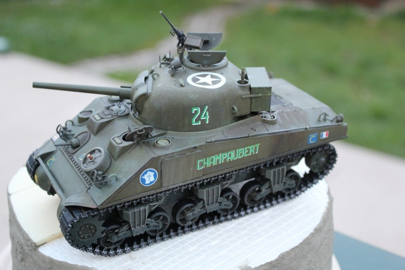 CHAMPAUBERT 1/35 M4A2 TASCA - Page 5 Img_0513