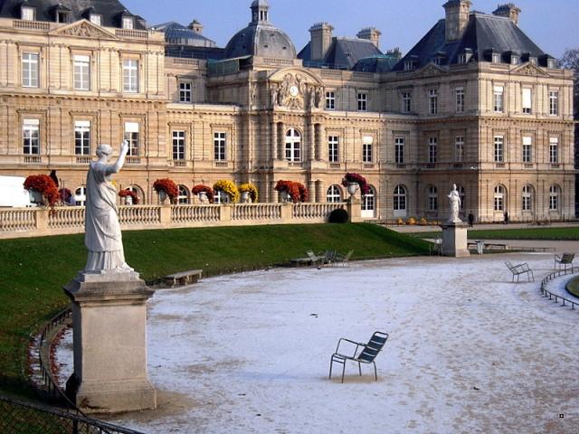 Choses vues dans le jardin du Luxembourg, à Paris - Page 4 Dscn7913