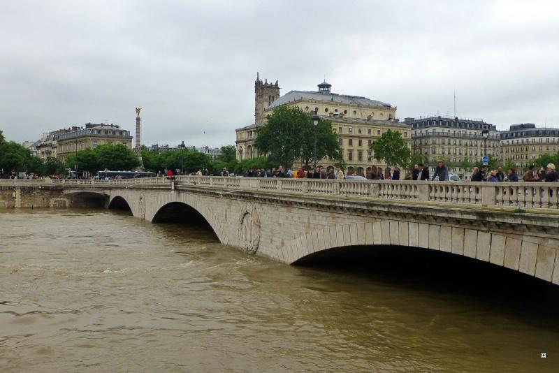 Paris en couleurs , Paris en noir et blanc ! - Page 4 Inonda18