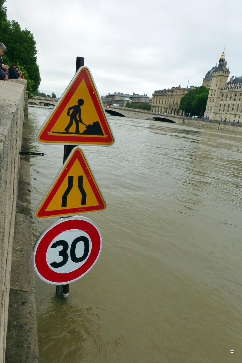 Paris en couleurs , Paris en noir et blanc ! - Page 4 Inonda21