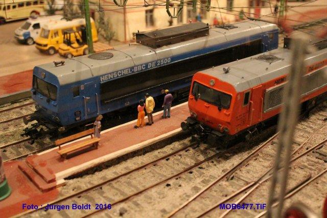 Das dritte Projekt 2014 - Die Henschel-BBC DE2500 Lok in 0 - Seite 3 Mob64712