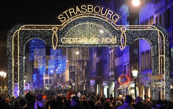 Les illuminations de Noël pour les fêtes 2.015   2.016 ! - Page 6 76313210