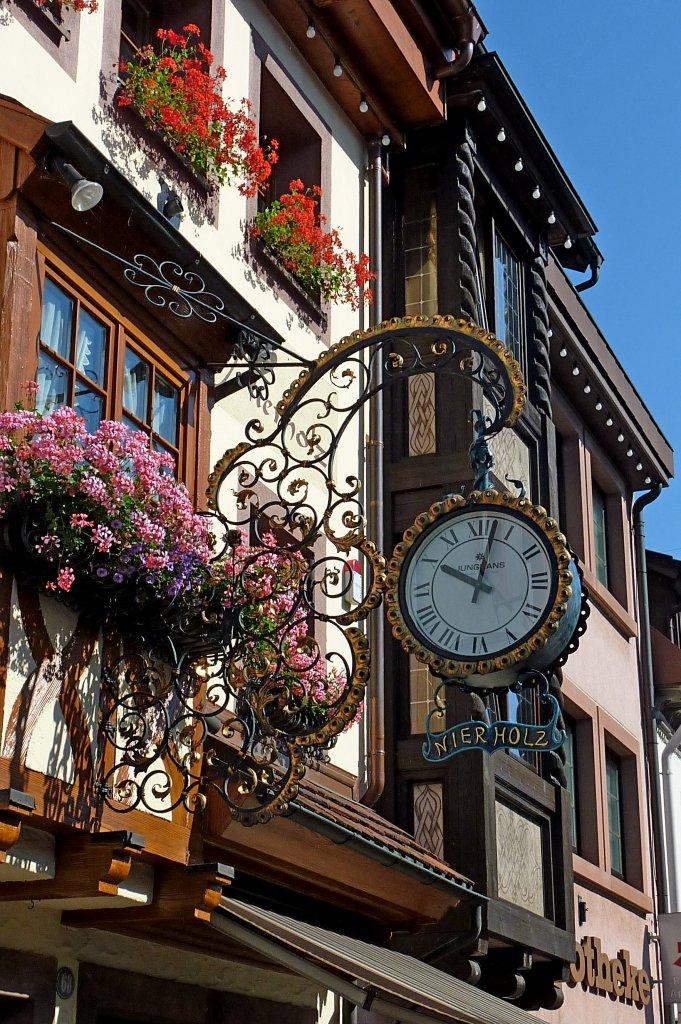 Reçu un beau diapo....Les horloges et pendules des rues..... - Page 24 Elzach10