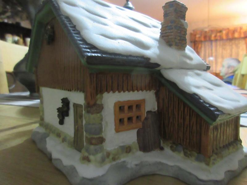 Cherche la référence de cette maison Luville Img_1410