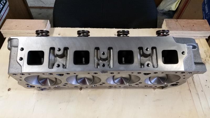 HEMI cylinder head  Z271010