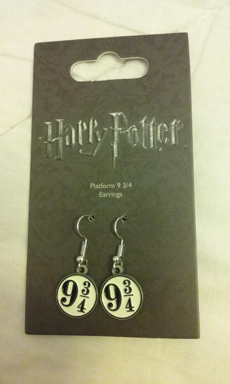 Les bijoux de l'univers Harry Potter (colliers,bagues,épée, etc) - Page 36 20160410