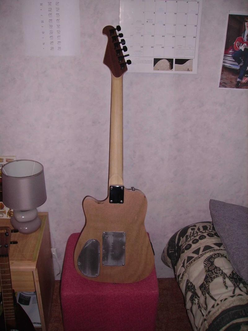 Guitare à la Godin Pict8326