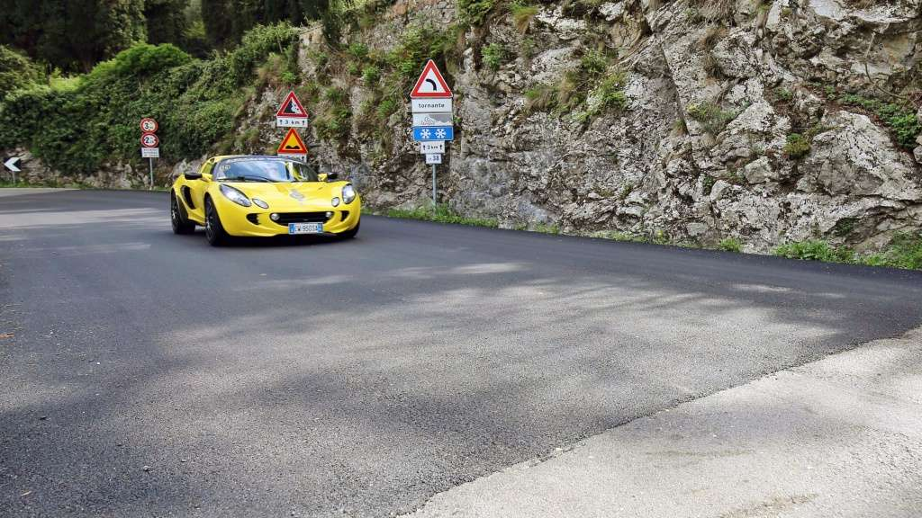 Giro del Lago di Garda e 1° Concorso d'Eleganza Lotus 10 Aprile 2016 - Pagina 15 Img_8013