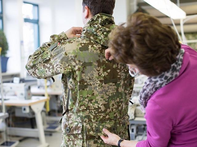 L'influence du camouflage allemand ww2, de nos jours. - Page 7 Tttg10