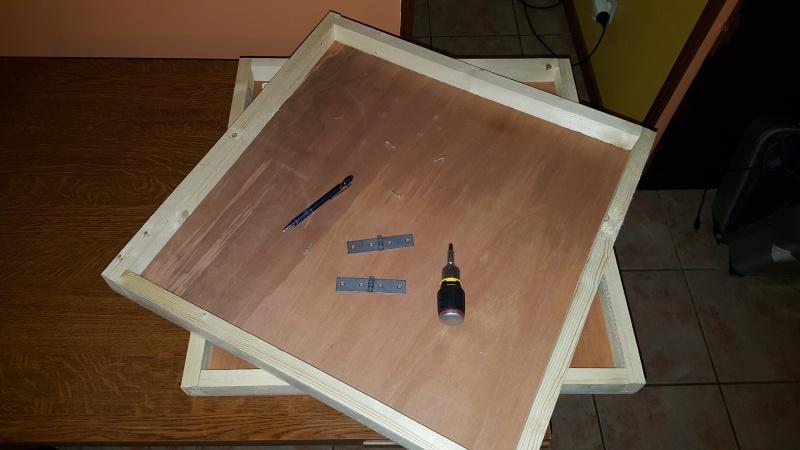 une table qui se pli en 4 pour toi hobbiste.... 20160512
