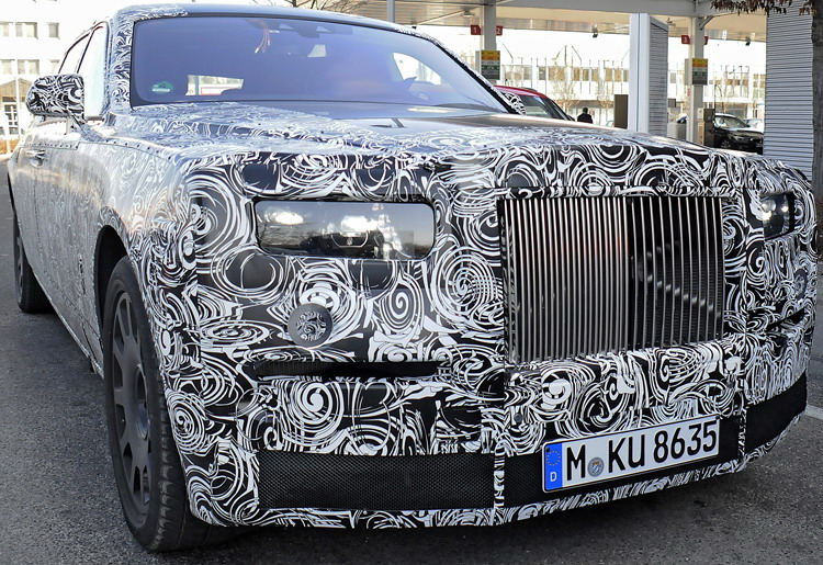 2017 - [Rolls Royce] Phantom - Page 2 Pkw_ro10