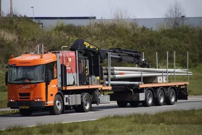 Les camions de manutention Terberg et Mol. - Page 3 Smart266