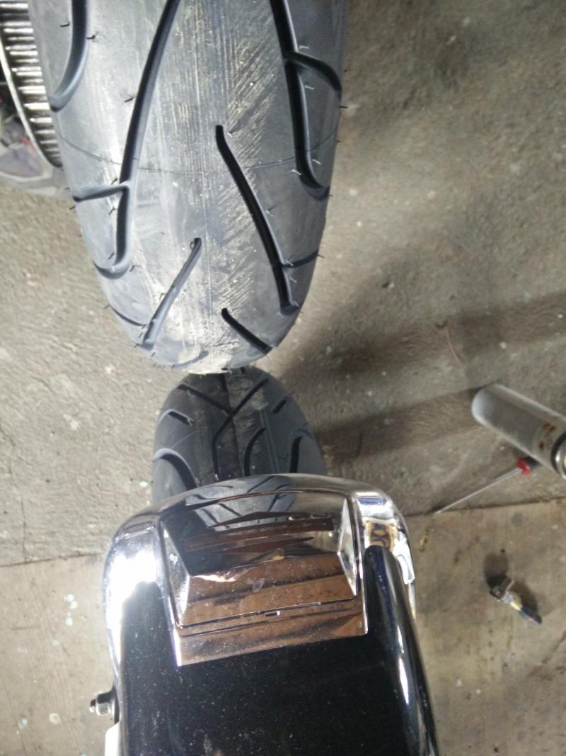 changement de pneus - Page 3 Pneu110