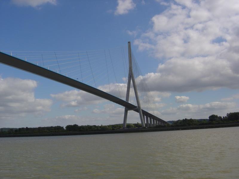Le pont, incontournable du paysage routier - Page 2 Dsc00010
