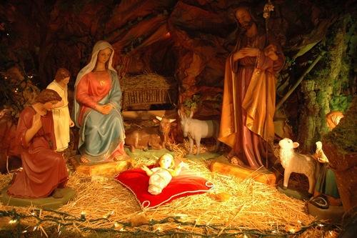 Très joyeuses fêtes de Noël a tous, dans la paix et l'amour du Christ! Parois11