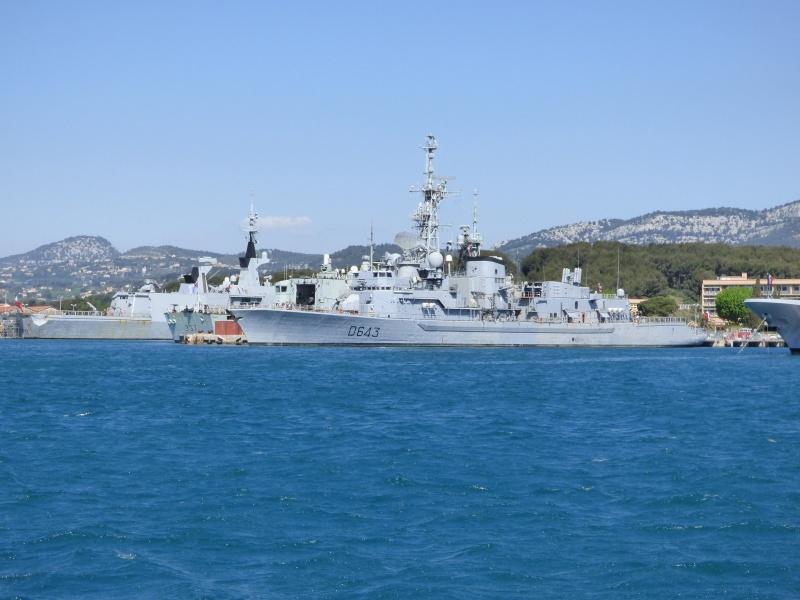 [Les Ports Militaires de Métropole] Visite de la rade de Toulon - Page 7 P1010821