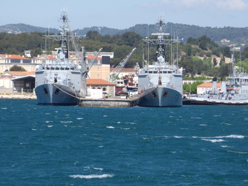 [Les Ports Militaires de Métropole] Visite de la rade de Toulon - Page 7 P1010822