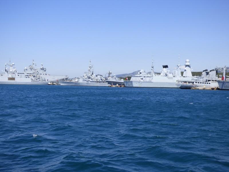 [Les Ports Militaires de Métropole] Visite de la rade de Toulon - Page 7 P1010824