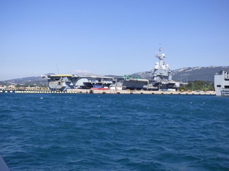 [Les Ports Militaires de Métropole] Visite de la rade de Toulon - Page 7 P1010827