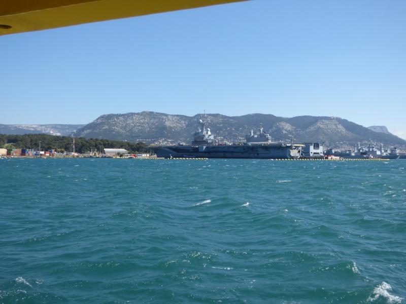 [Les Ports Militaires de Métropole] Visite de la rade de Toulon - Page 7 P1010828