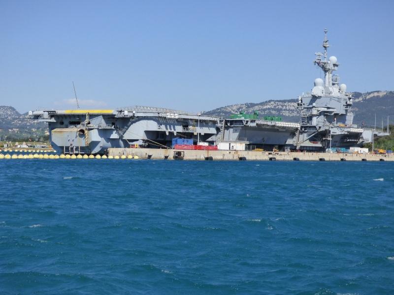 [Les Ports Militaires de Métropole] Visite de la rade de Toulon - Page 7 P1010829