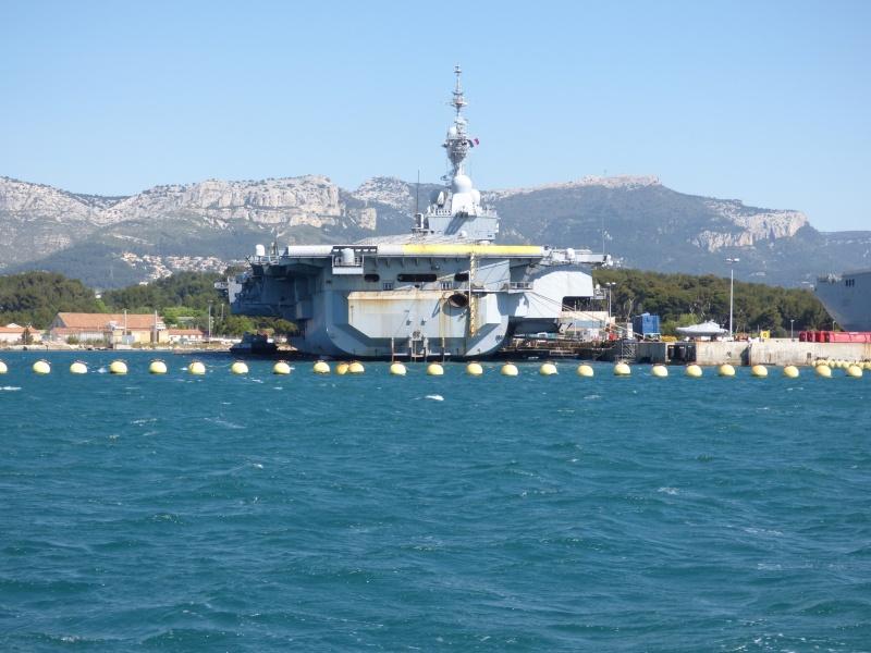 [Les Ports Militaires de Métropole] Visite de la rade de Toulon - Page 7 P1010830