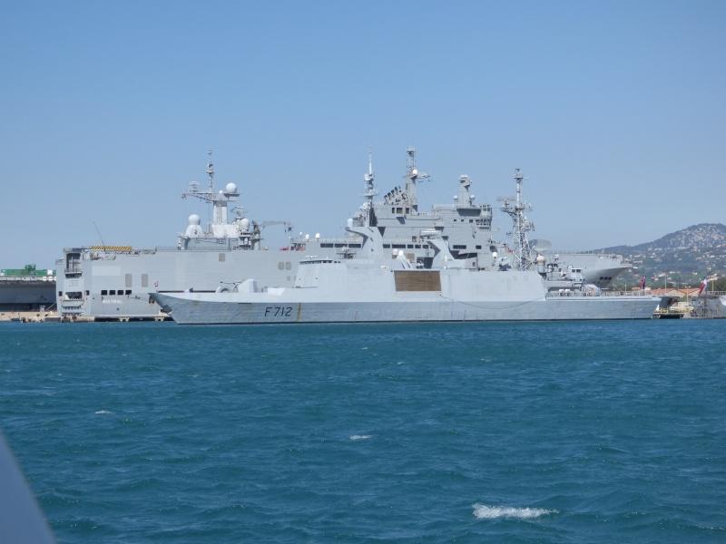 [Les Ports Militaires de Métropole] Visite de la rade de Toulon - Page 7 P1010832