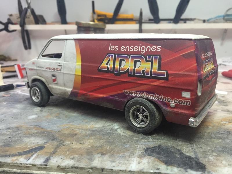 Van Dodge converti en camion-nacelle Image13