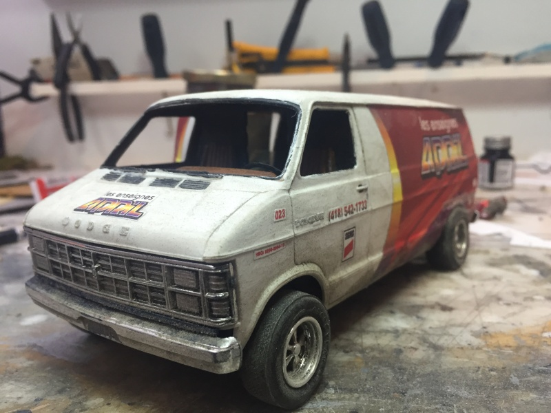 Van Dodge converti en camion-nacelle Image15