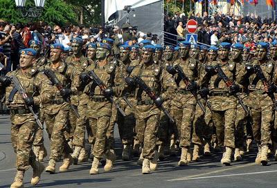 L'Armée Arménienne / Armed Forces of Armenia - Page 2 Armeni10