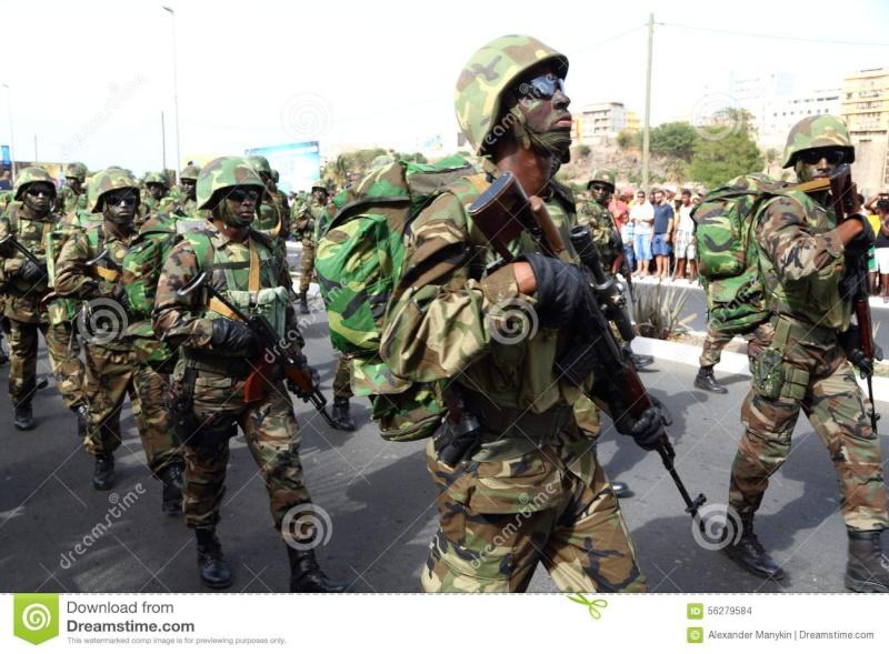 l'Armée du Cap-Vert / People's Revolutionary Armed Forces ( FARP ) - Page 2 Capver10