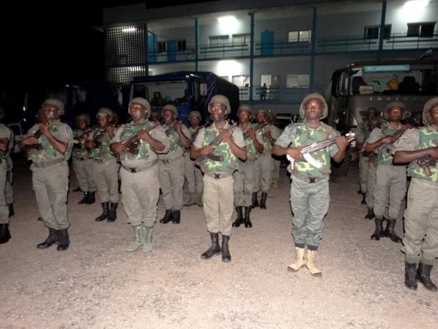 Armée du Gabon - Page 5 Gabon10