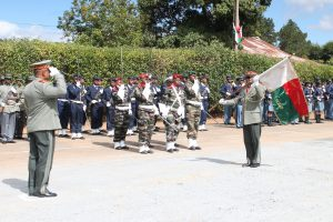 L'armée de Madagascar. - Page 3 Madaca10