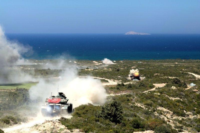 Forces armées grecques/Hellenic Armed Forces - Page 26 0b810