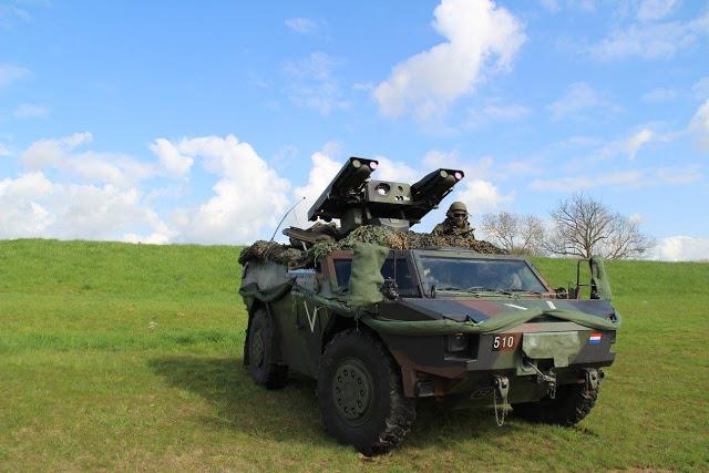 Armée Hollandaise/Armed forces of the Netherlands/Nederlandse krijgsmacht - Page 18 2442