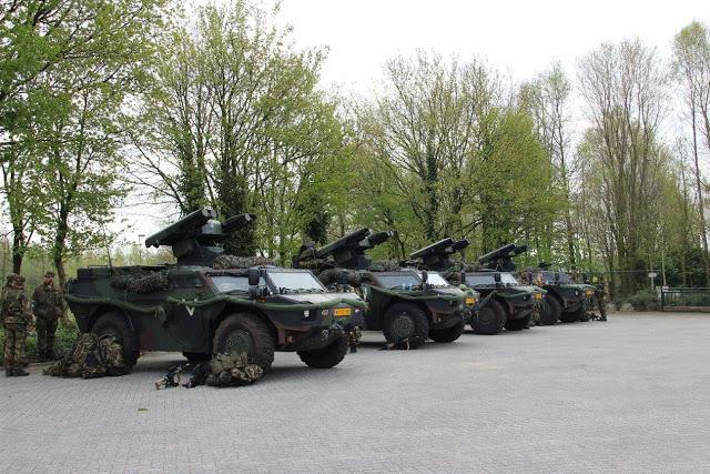 Armée Hollandaise/Armed forces of the Netherlands/Nederlandse krijgsmacht - Page 18 2729