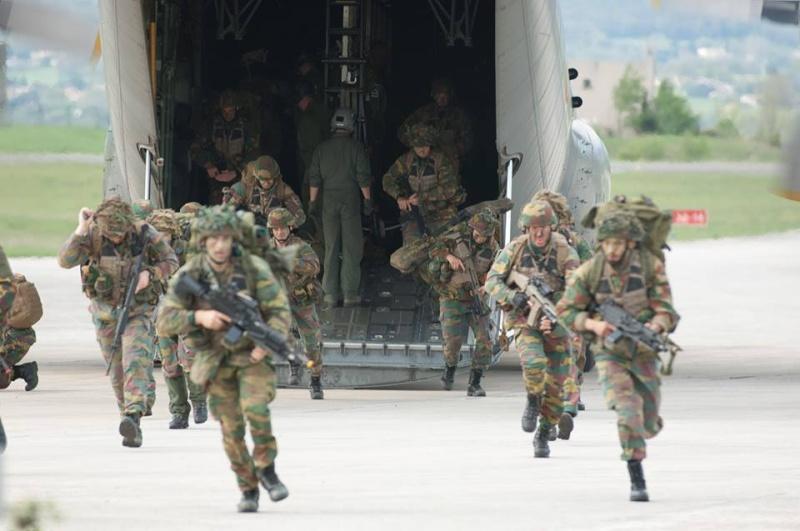 Armée Belge / Defensie van België / Belgian Army  - Page 2 2818