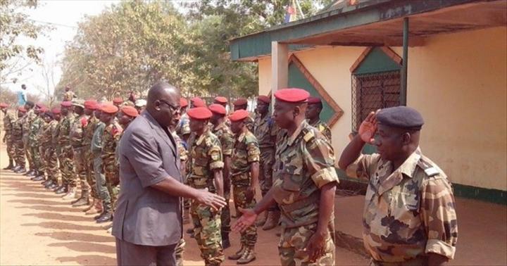 Armées de la République centrafricaine  - Page 2 2862