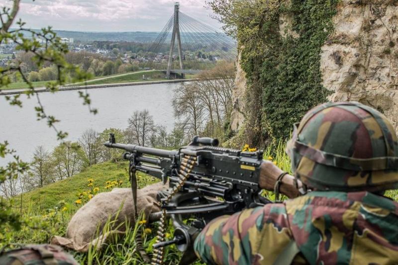 Armée Belge / Defensie van België / Belgian Army  - Page 4 31176