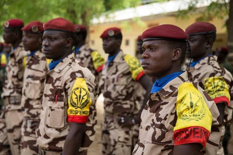 Armée Tchadienne - Page 6 32120