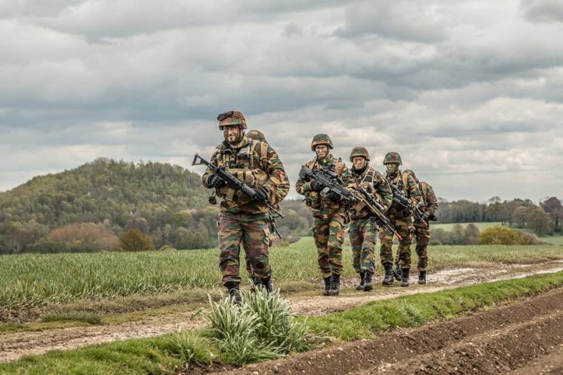 Armée Belge / Defensie van België / Belgian Army  - Page 4 3847