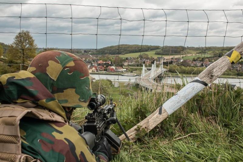 Armée Belge / Defensie van België / Belgian Army  - Page 4 4136