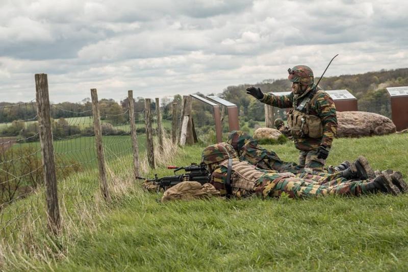 Armée Belge / Defensie van België / Belgian Army  - Page 4 4228