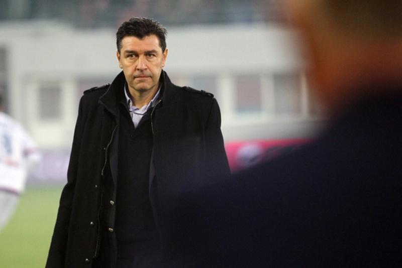 Nouvelle Saison 2016/2017 ... Nouveau coach ... Nouveau staff ...  Présentation ... ! - Page 4 Hubert10