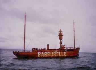 les bateaux feu (phare) 32473610