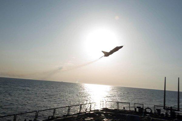US Navy : les dernières news - Page 8 Cf8jrq10
