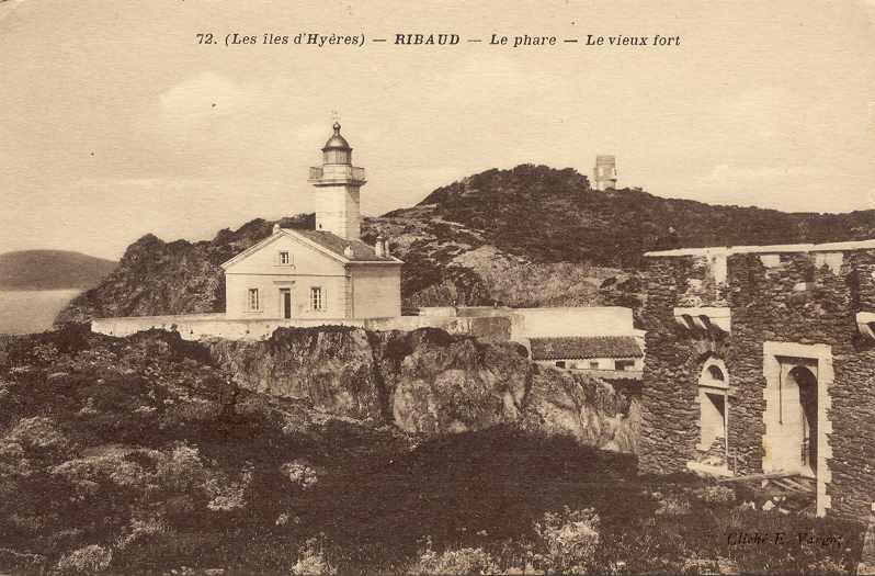 les phares en mer et à terre (2) - Page 3 Ribaud10