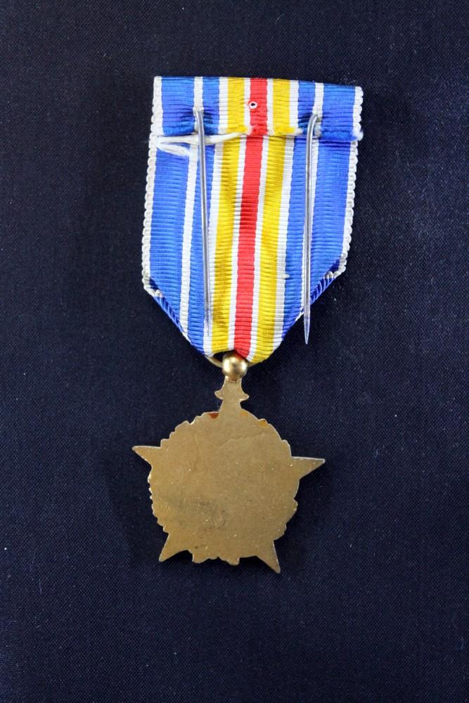 Médaille des Blessés - ESC 1 [VENDUE] Mb4b11